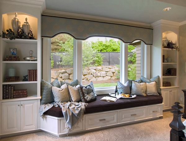 A window seat for your cozy home for Sitting window design