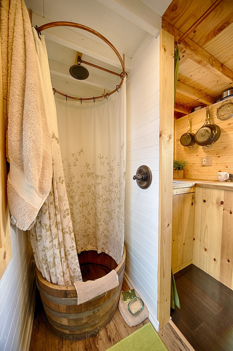 Shower space inside the tiny tack home