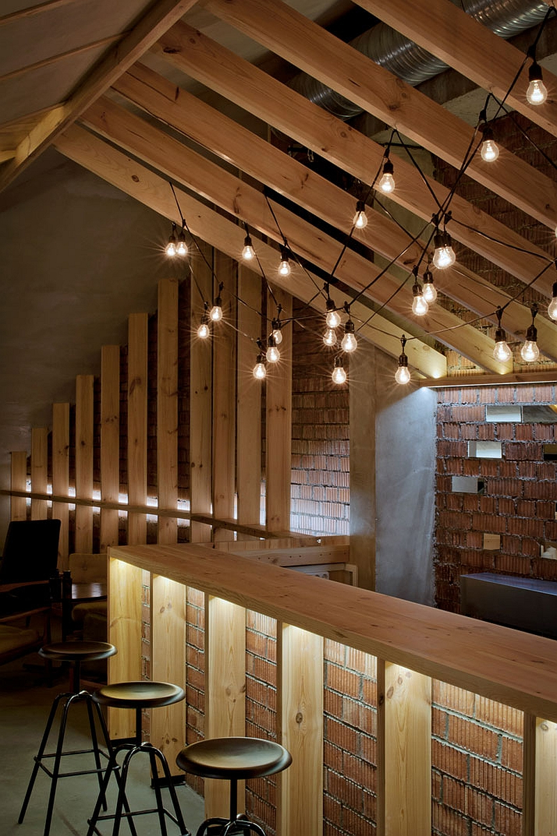 View In Gallery Simple And Elegant Lighting In The Attic Bar