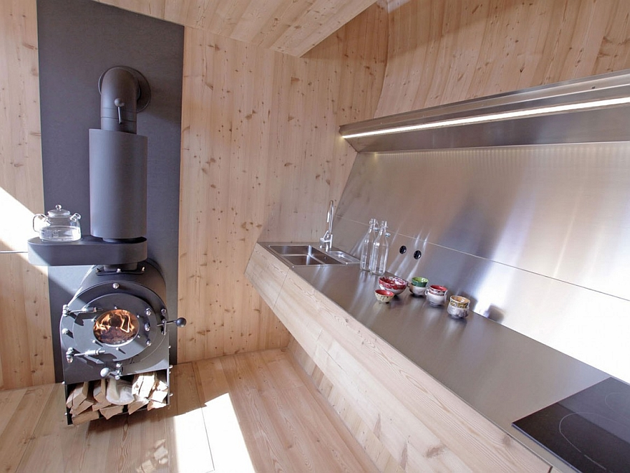 Sleek kitchen counter in metal