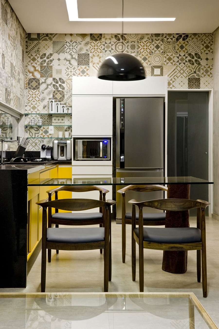 Small modern kitchen inside the Brasilia modula home Box House