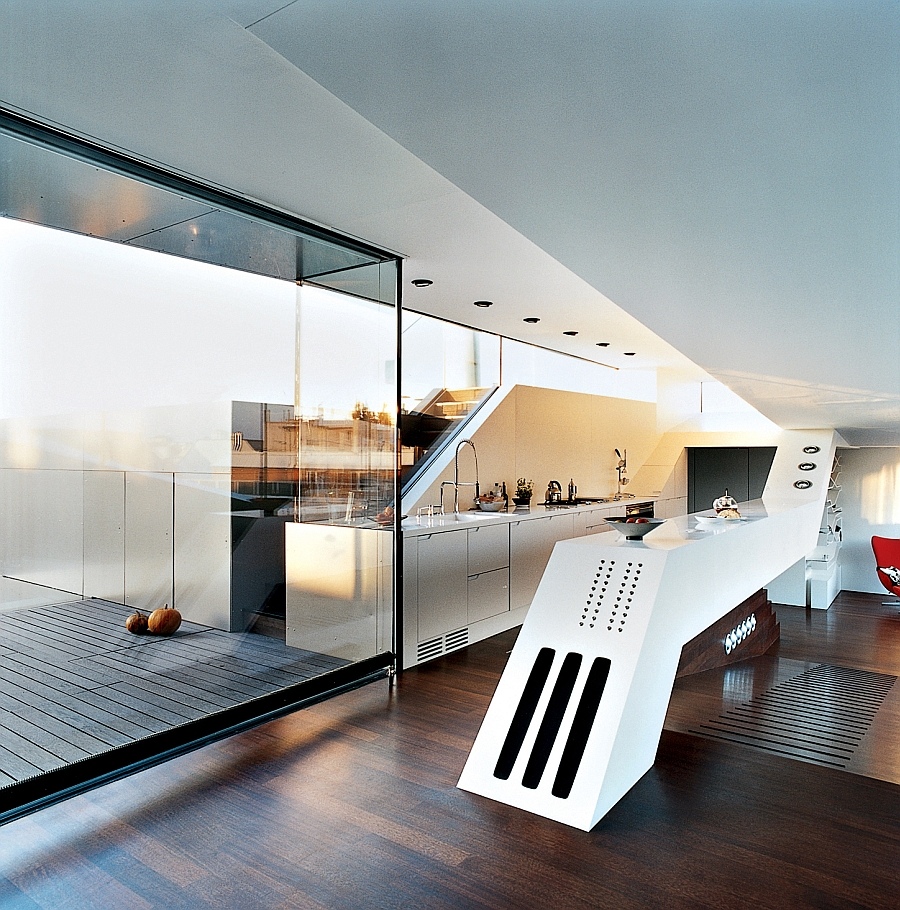 Spaceship styled culinary cockpit in the contemporary kitchen
