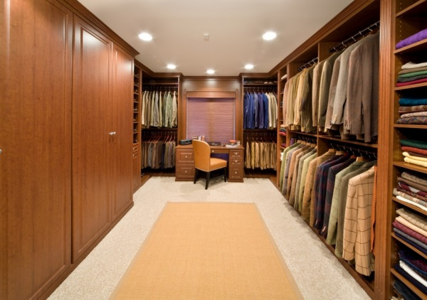 Spacious tidy closet