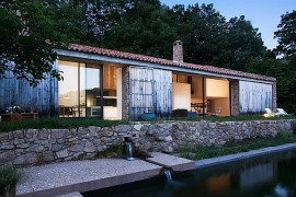 Spanish countryside home Renovation by studio Ábaton