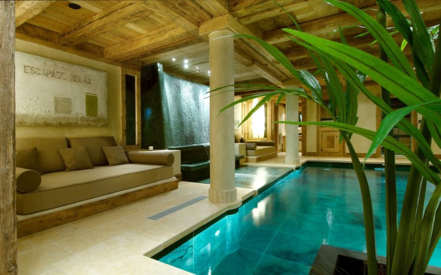 Spectacular indoor pool and water feature