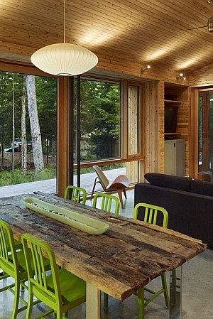Stealth Cabin in Ontario, Canada by Superkul