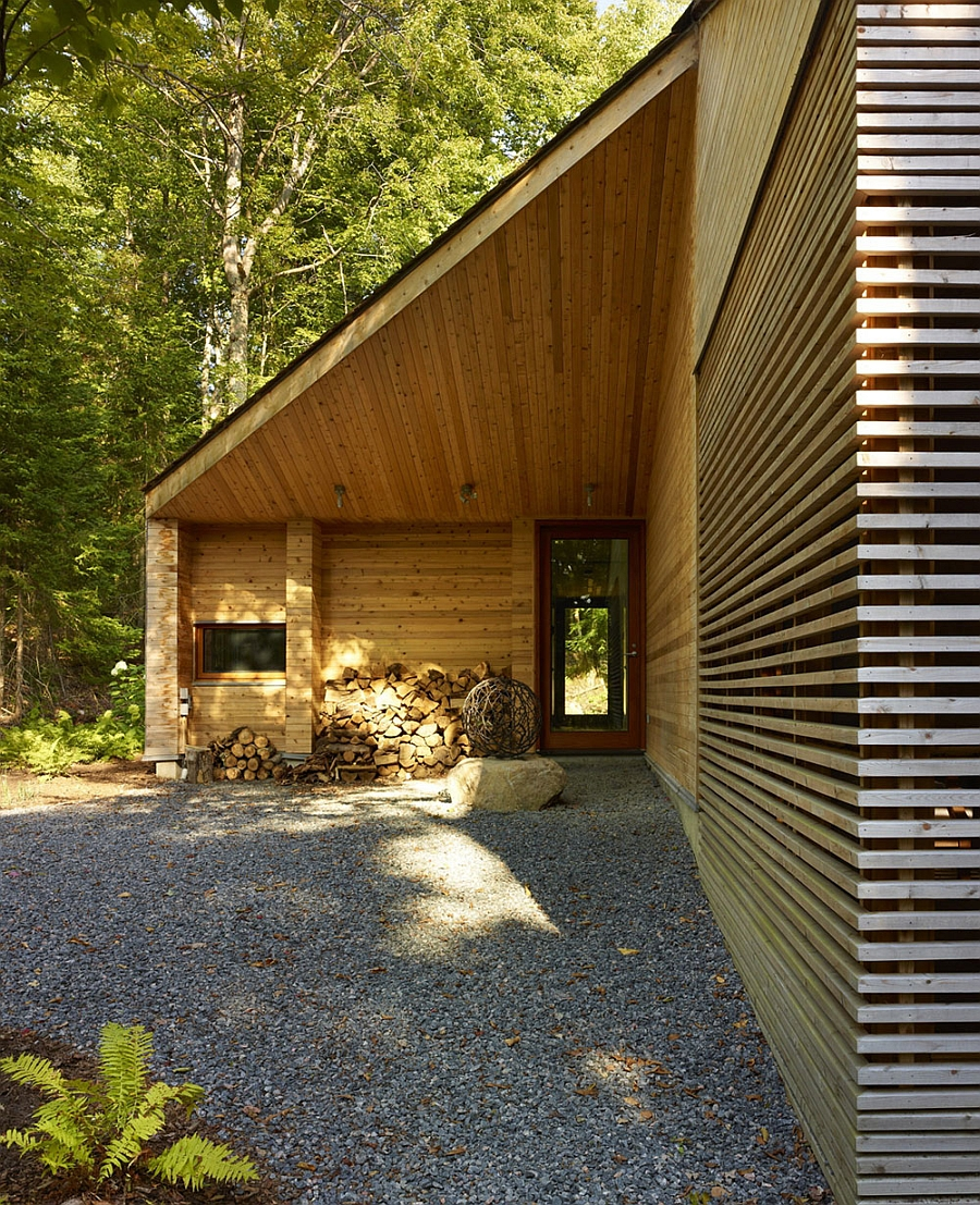 Modern Or Rustic Front Landscape Design: Ultra-Modern Cabin Blends Rustic Warmth With Modern Minimalism