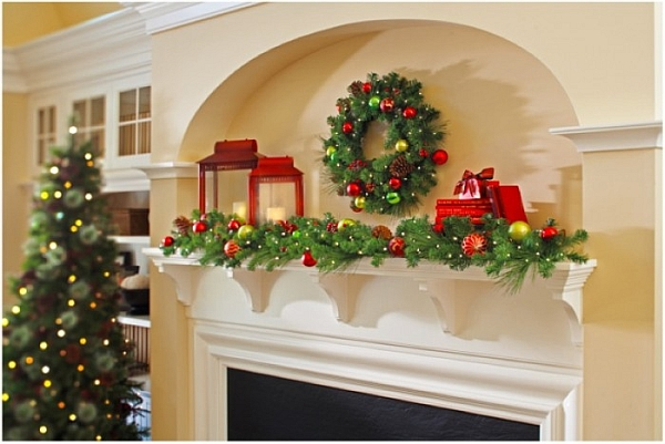 Traditional decorating idea for a Christmas fireplace