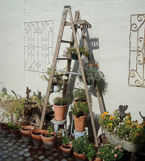 Trendy ladder shelf idea for the patio