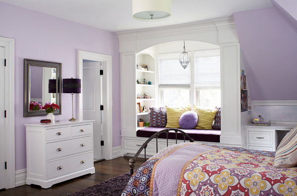 Window seat with built-in shelves