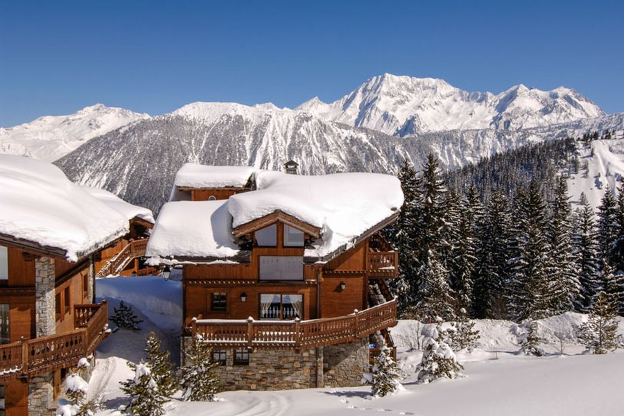 Wodden extreior of the Chalet in french alps