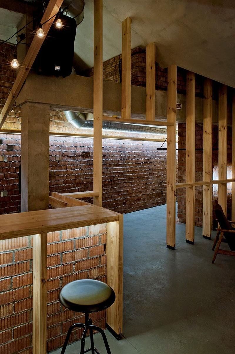 Wooden dividers usher in natural light