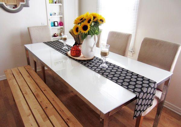 Festive DIY Table Runners Decor Ideas