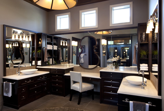 His hers bathroom with traditional design decoist for His and hers bathroom