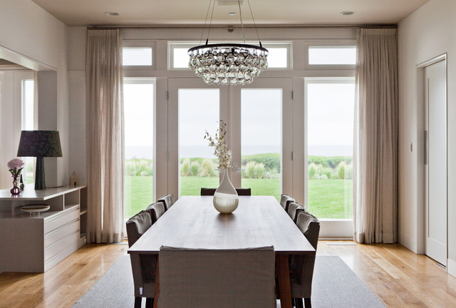 simple chic chandelier dining area