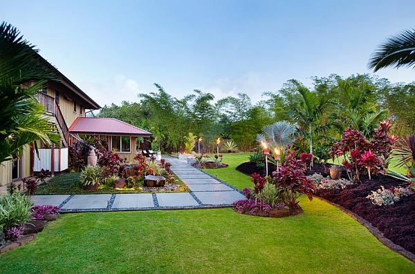 A picture perfect garden with tropical vibe