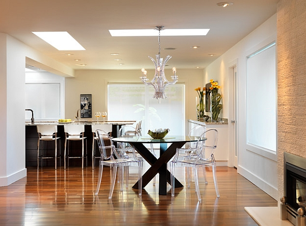 Acrylic chairs are ideal for creating an uncluttered setting