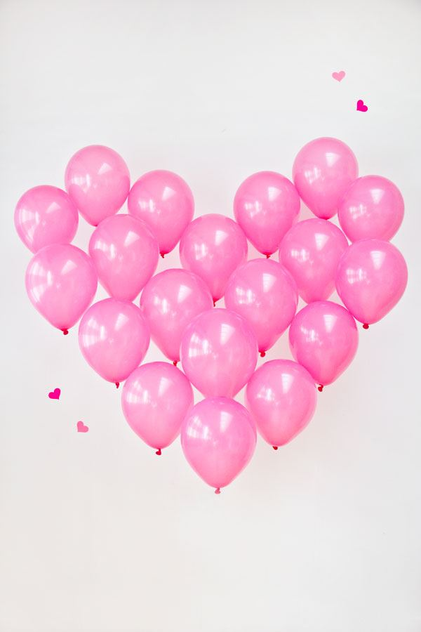 Easy diy valentine 39 s day decorations for Balloon decoration for valentines day