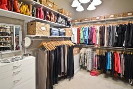 10 Easy Ways to Create an Organized Closet