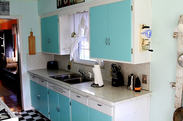 Beautiful blue and turquoise are perfect choices for a retro kitchen with modern overtones