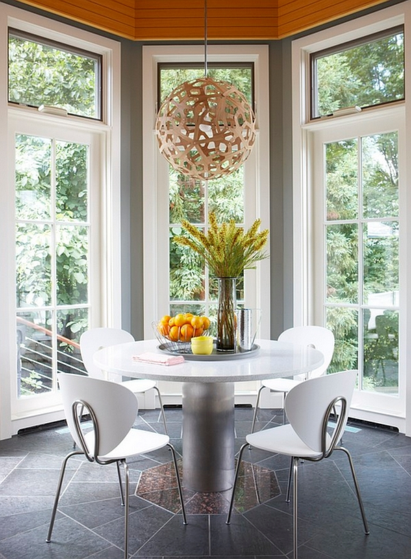 Beautiful breakfast room with plenty of natural ventilation