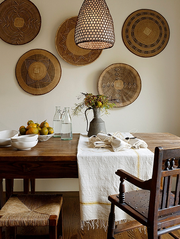 Beautifully arranged African baskets in the dining room