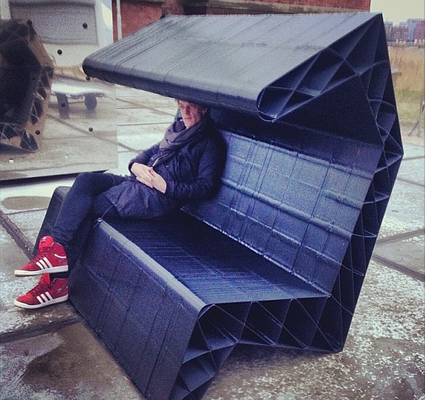 Black House bench crafted by KamerMaker 3D Printer