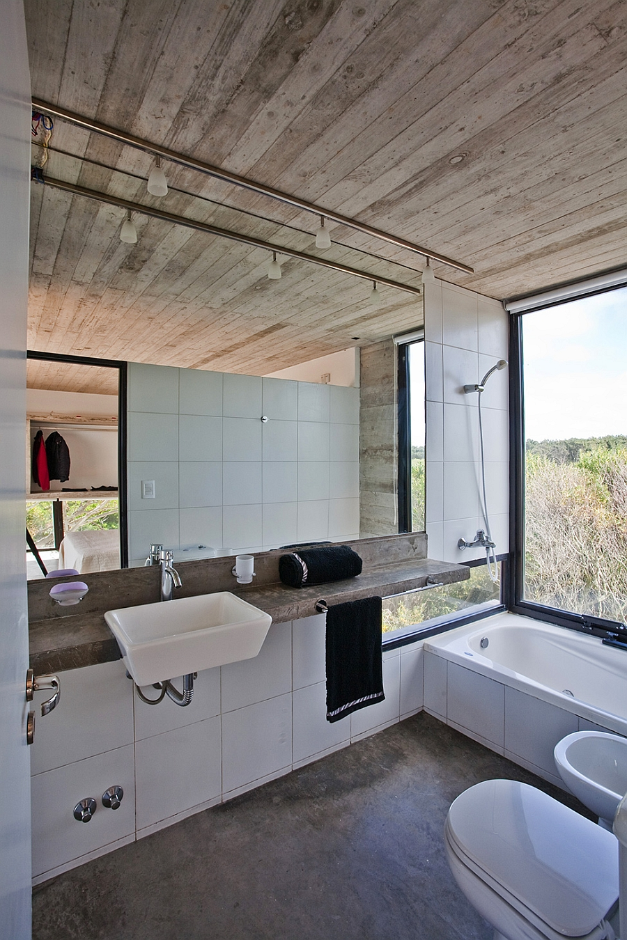 Contemporary bathroom  in white