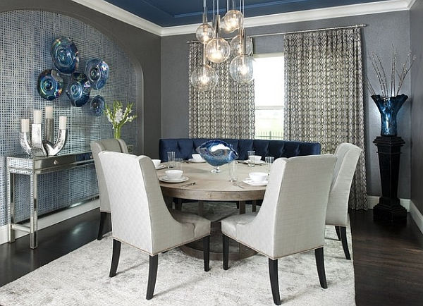 Cool blue and trendy grey in the dining room
