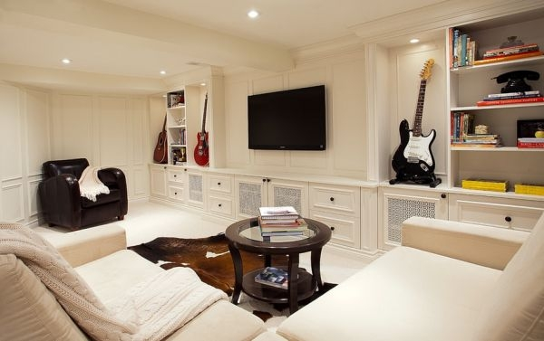 Decorate with music instruments