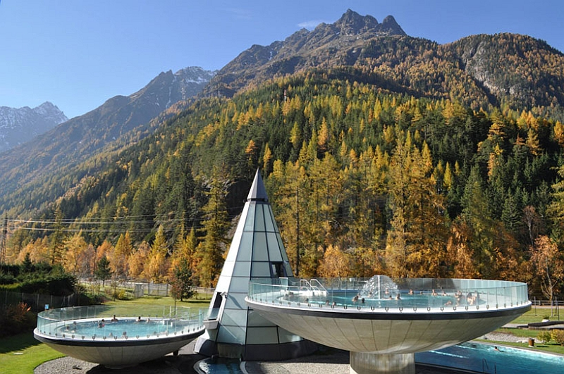Dome shaped thermal pools and spa