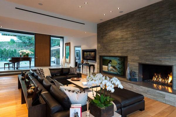 Elegant Pianos in Wonderful Homes (12)