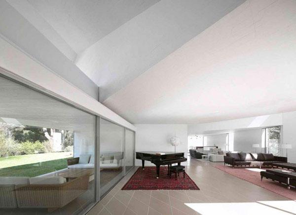 Elegant Pianos in Wonderful Homes (18)