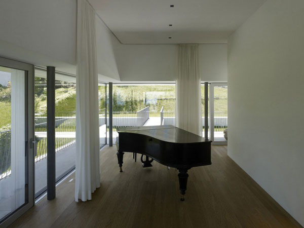 Elegant Pianos in Wonderful Homes (20)