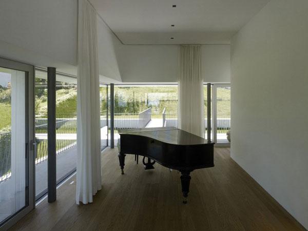 Elegant Pianos in Wonderful Homes (20)
