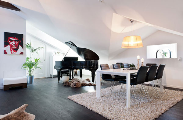 Elegant Pianos in Wonderful Homes (5)