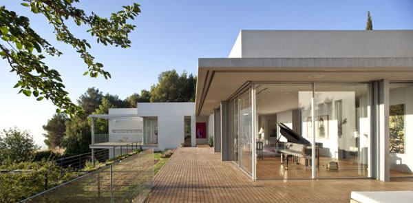 Elegant Pianos in Wonderful Homes (6)