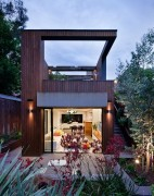 Fitzroy House in Melbourne with a new addition in wood and glass
