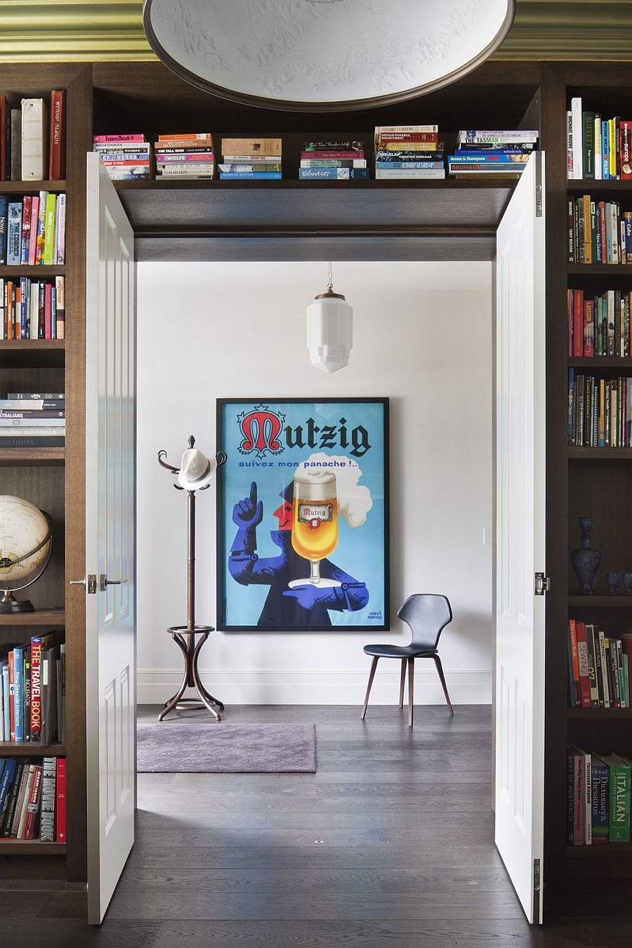 Framed posters add stule to the interior