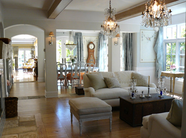 French country interior design ideas for Country french decorating ideas living room
