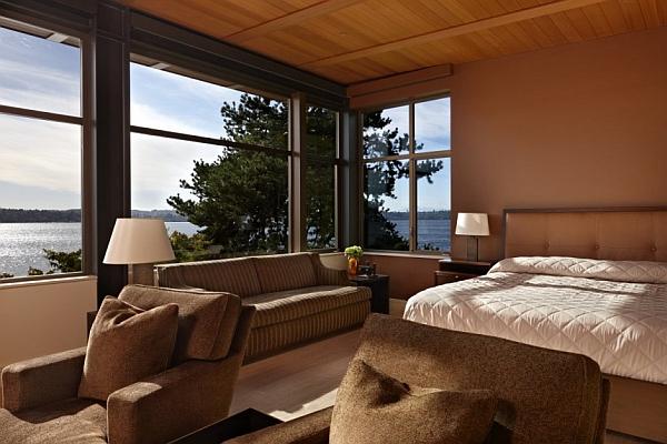 Gorgoues bedroom of the steel frame lake house