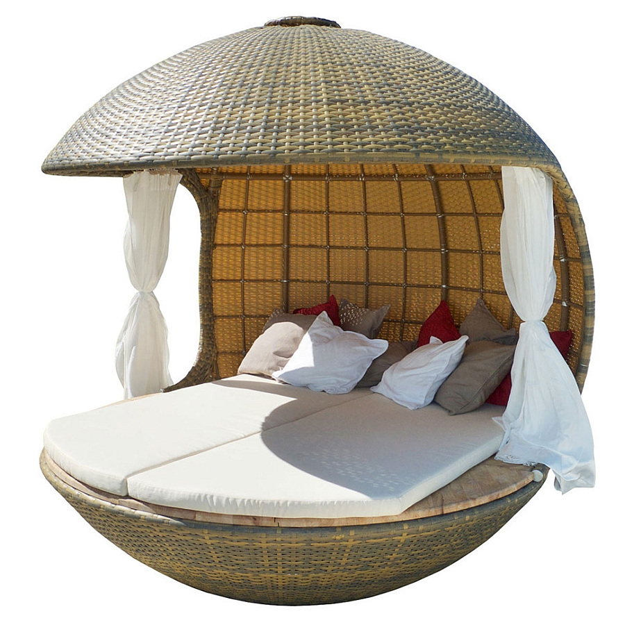 Intricate and organic design of the Cocoon tree beach daybed