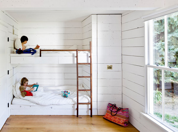 Kids' room in a cabin-like house