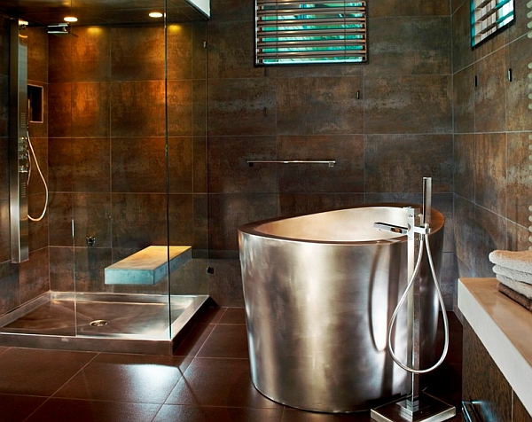 Metallic bathtubs keep the water warmer for longer durations