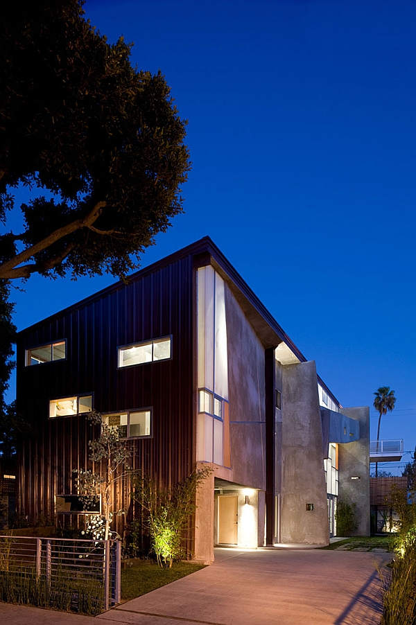 Metallic exterior of the cool hybrid house