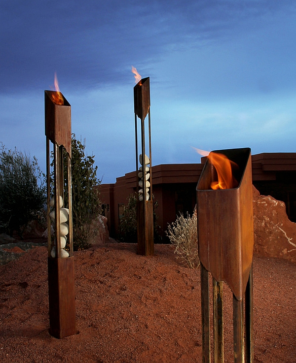 Outdoor inspiration cool tiki torches to light up your for Antorchas jardin