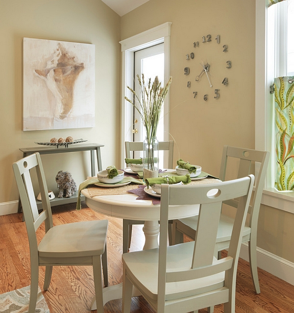Small dining rooms that save up on space for Small round dining table decorating ideas