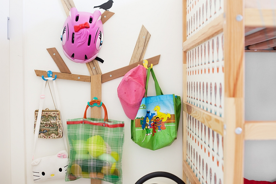 Simple hanger to help organize kids' bedroom