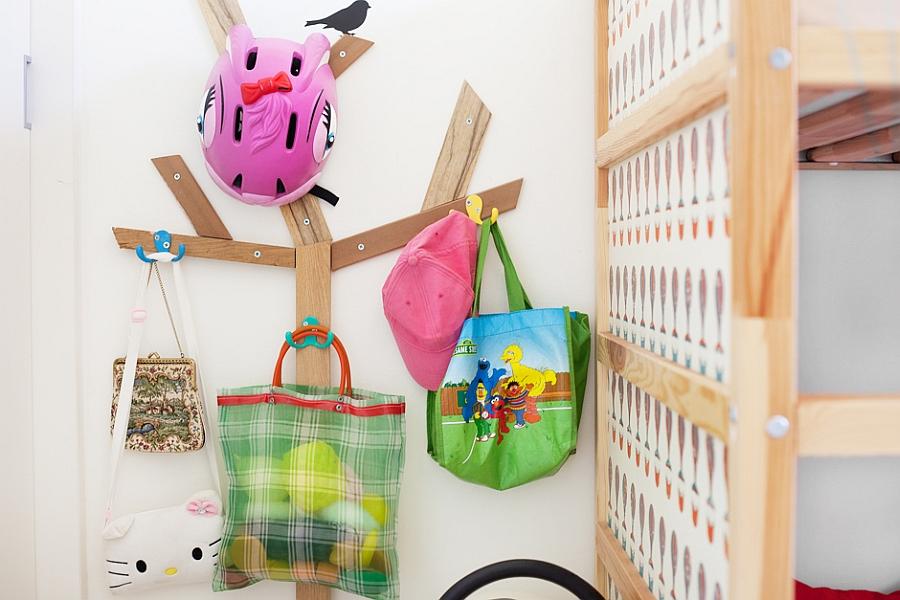 Simple hanger to help organize kids' bedroom
