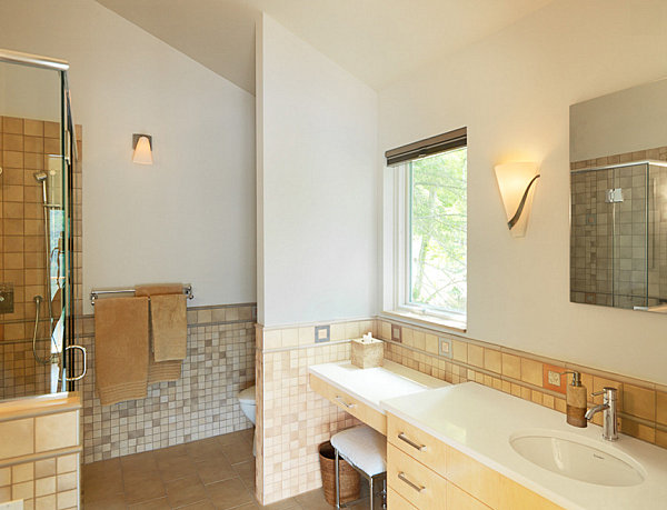 Small lake house bathroom